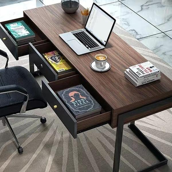 Clutter free desk