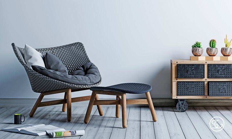 Simple accent chair